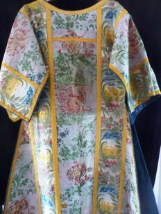 Rare, antique Easter robe, CASEL, Kavelar, completely embroidered with silk, floral pattern in vivid colours, ca 1800/1820, Roman shape