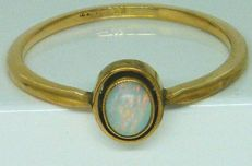 18 K Yellow Gold - Real Natural Opal Ring,- Age 1920's
