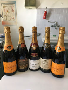 Champagne: 2 x Veuve Clicquot, 1 x Canard Douchenne, 1 x Henriot & 1 x Laurent Perrier - 5 bottles total