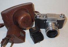 Praktica FX - single-lens reflex - 1953
