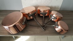 Lot of 5 professional pans in massive tinned copper for culinary use, thickness 3 mm, thick copper - very heavy (6.5 kg in total), hand-hammered sides.