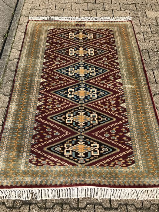 Oriental carpet Pakistani signed - good condition - investment - 100% handwoven!
