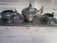MANOR PERIOD Sheffield Pewter - Hammered Pewter Tea Set