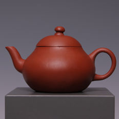 Beautifull small Yixing teapot made of red clay - China - 18th/19th century