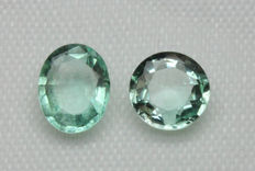 Lot of 2 Emerald - 1.60 ct (total)