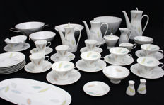 Rosenthal - Thea set, model Form 2000, designed by Richard S. Latham / Raymond Loewy, decoration: fallende Blätter.
