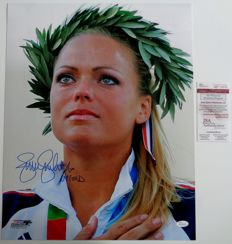 Jennie Finch - great signed photo - SoftBall Champion - OJ 2004 / 2008 - with COA JSA.