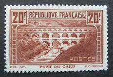 France 1929 - 20f pot - Pont du Gard type IIB - Signed Calves with digital certificate - Yvert #262