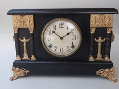 Table clock in ebonized walnut wood with gilt bronze decorations - Mantle by Sessions - 1880s