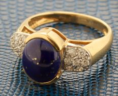 18 kt gold ring set with Lapis Lazuli and diamond