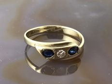 Gold ring with sapphire and zirconia 14 kt