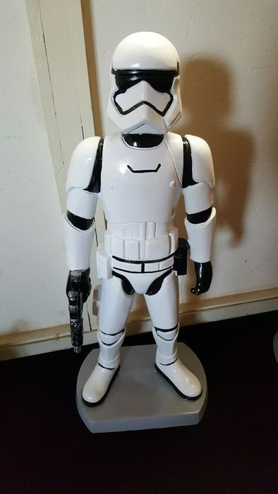 Beautiful Stormtrooper sculpture - 75 cm