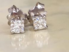 Pair of 18 kt white gold solitaire diamond ear studs with approx. 0.42 ct in brilliant cut diamonds in total, G/VS - in mint condition