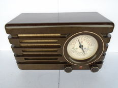 "Very rare Brown Philips Radio type BX378A from 1948, nicknamed ""The compass or shaking needle""."
