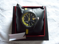 Scuderia Ferrari - Men's watch - Dial: 36 mm - Case: 48 (+ crown) x 46 (width) x 13 mm (thickness)