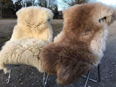 Two high-quality, thick and very soft lambskins / sheepskins with exceptional colour latte macchiato brown