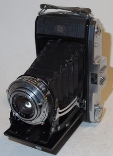Zeiss Ikon Nettar 517/2 - 6x6 roll film - 1952