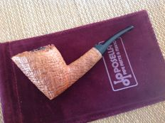 Posella freehand pipe, sandblasted briar, perfect 360 ring grain, plateau top , great !!