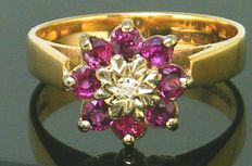 Yellow Gold Cluster Ring Vintage 1960's  Natural Ruby Gemstone's 2,50 ct - 1 Diamond SI1L