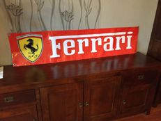 Big exclusive FERRARI - advertisment banner from moto/car show in Italy - 2nd half 20th C.  Zobacz tłumaczenie