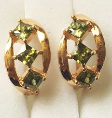 Yellow gold earrings with synthetic peridot