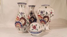 Delft Holland hand-painted cabinet set - beautiful flowers decoration - second half 20th century - The Netherlands - in very good condition