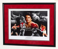 Roberto Duran original signed photo/poster-Premium Framed + Certificate of Authenticity