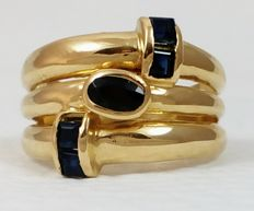 Ring in 18 kt (750/1000) yellow gold with blue sapphires. Size:  16/56.