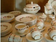 Wedgwood tableware Rosalind - 73 pieces