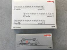 Märklin H0 - 37241/42903 - Electric locomotive Series 1100 with 3 ICK carriages of the NS