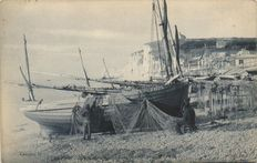 Fishing France and Belgium 86 x - Fishermen - Nets, fishing ships and shell fishermen - 1900/1960