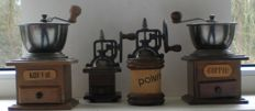 A lot of 2 coffee grinders and 2 pepper mills