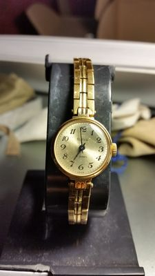 Rare Slava wristwatch – solid gold – USSR
