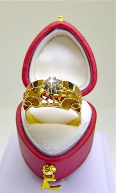 French authentic Art Deco Tank ring in 18 kt gold and platinum claw set old cut diamond