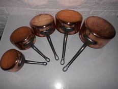 Nice set of five French copper saucepans in five different sizes, exclusive item!