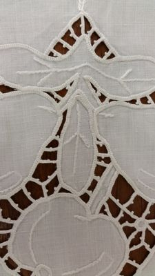 Hand-woven linen doily, around 1890, from an Italian private collection