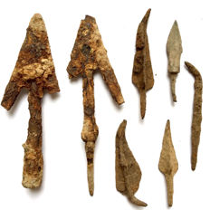 Lot of 7 Medieval / Crusaders age Iron Arrowheads - 41mm-89mm (7)