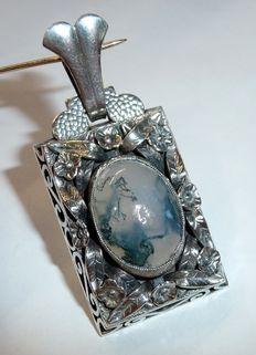Very large hand-made pendant, 900 silver with moss agate