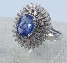 White Gold, IGI Certified designer 5.34. ct. unheated Blue Sapphire  and 2.21 ct. diamond Ring- Ring size: 55 1/4 (FR)/17.25 mm