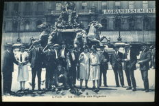 Collection of more than 360 old postcards of Lyon Rhône 69 format 9 by 13 cm