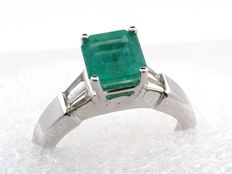 Sublime emerald and diamond ring, 2.30 ct