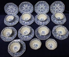 Cups and saucers – China – 19th century