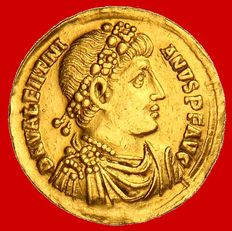 Roman Empire - Valentinian I (364-375 A.D). gold solidus (4,47 g. 20 mm.) minted in Antioch between 394-367 A.D. RESTITVTOR REIPVBLICAE. Great and rare gold solidus!