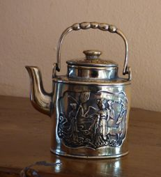 Chinese kettle made of brass - China - late 20th century