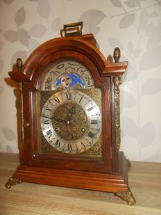 Table clock - French Hermle - FHS - 1960s - Walnut with moon phases