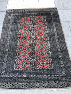 Wonderful, authentic, Bouchara carpet, 127x175.