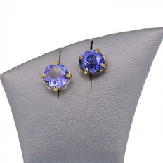 Yellow gold earrings with 2 tanzanites – Weight 2.08 ct