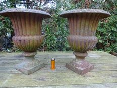Set of 2 heavy worked cast iron garden vases - France - ca. 1960