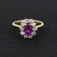 Yellow gold ring with tourmaline and diamonds
