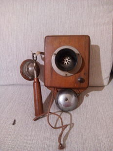 Early 20th-century phone